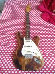 Guitarra Sonic x regulada só falta por a tarraxa e as cordas