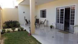 Super Casa com area de 250 m2 no Bairro Dom Tomas / Castelo Branco / Tancredo Neves
