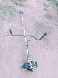 Vendo uma maquina de corta grama a gazolina boa sou de viamao lonba do pinheiro parada 19