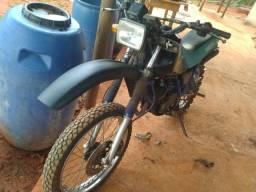 Moto dt 180