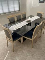 Mesa de Cozinha com Cadeiras - Granito e vidro Fumê