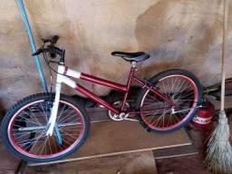 Bicicleta muito boa vendo