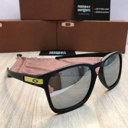 Óculos de sol Oakley Latch Squared VR46 polarizado