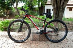 Bicicleta Furst Aro 29 + Grupo Shimano Deore 27v + Suspensão Rock Shox