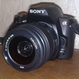 Câmera DSLR Sony ax230