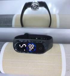 Smartwatch, relogio digital e fone via bluetooth