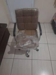 Cadeira de escritorio giratoria nova