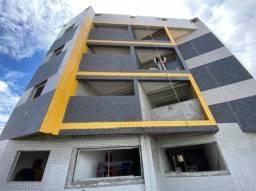 Apartamento com 03 quartos em mangabeira