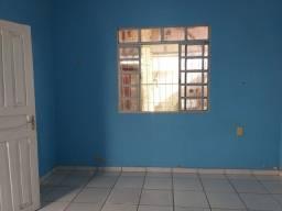 Título do anúncio: Aluga-se quarto em república no Tucumã