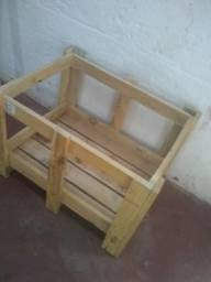 Vendo caixote de madeira para artesanato