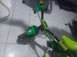 Venso bike de menino praticamente nova quero 150 meu zap *