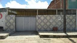 COD C-140 Casa em Mangabeira 7 4 quartos bem localizada