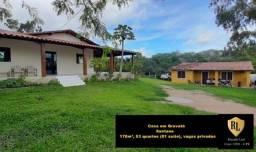 Vendo Casa em Gravatá, 178 m², 03 quartos (01 suíte)