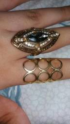 Vendo dois anéis