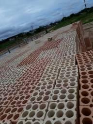 Vendo tijolo de 6 furo padrão tá bem assado