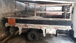Carroçeria de madeira/ ferro