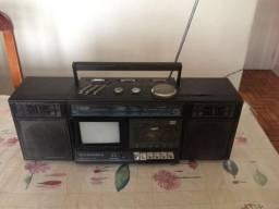 Vende-se rádio portátil