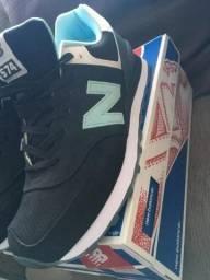 Tênis New Balance 574 (Novo)