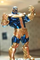 Estatueta Thanos