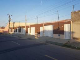 Casa Plana Fino Acabamento em Maracanaú - Vizinho o Jardim da Serra