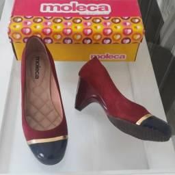 414cea7400 Sapato Feminino Camurça Moleca Flex Vinho e Marinho N36