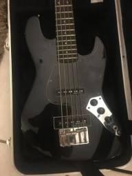 Contrabaixo Fender 5 cordas