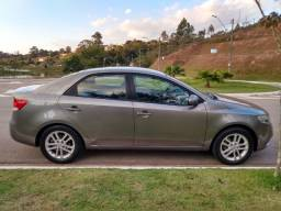 Excelente Kia Cerato 1.6 Ex3 Sedan 16V Gasolina 4P Manual