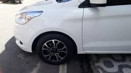 Ford ka 1.5 com jogo de roda novissima os dois pneu da frente novo acabei de trocar .