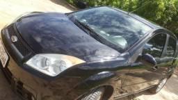 Fiesta Sedan 1.6 completo - 2009