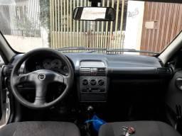 Carro conservado - 2005