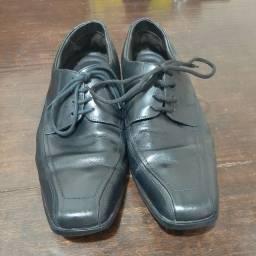 Sapato Mr. Cat preto de couro verdadeiro 41.