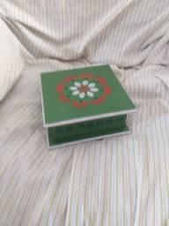 Toalha de prato na caixa