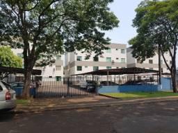 Alugo: Apartamento com 02 quartos no Jardim Naipi