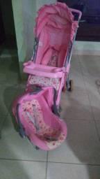 Vende se carrinho e bebê conforto usado sem nenhum detalhe de uso