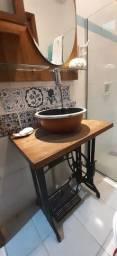 Balcão com pé de maquina ferro fundido + cuba cerâmica esmaltada
