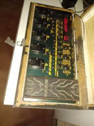 Pedaleira GFX-8 troco em celulares negociável ou troco em alto falantes 15 ou 18