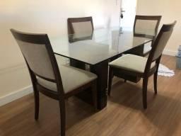 Mesa 1,80 de vidro com 4 cadeiras.