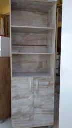 Prateleira/estante com porta