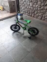 Título do anúncio: Bike aro 16 - USADA EM BOAS CONDIÇÕES