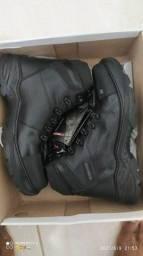 Título do anúncio: Bota preta, use e sinta-se no maior conforto do mercado de calçados