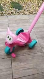 Motoca rosa bandeirante