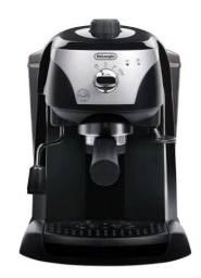 Vendo cafeteira DeLonghi EC220.CD