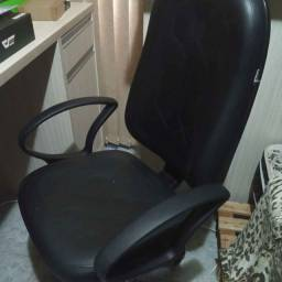 cadeira caleffi presidente