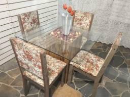 Mesa vidro 90x90 base mdf pesado + 4 cadeiras estofadas pesadas firmes