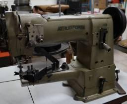 Máquina de costura Atílio Forte