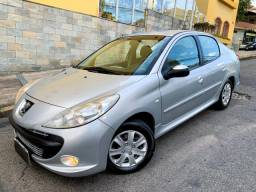 Peugeot 207 1.4 8v XRS Sport Passion Sedan Flex Manual (Completo) - 2011