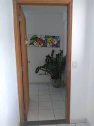 1843 - Apartamento - 02 Qts - Piscina - Salão de festas - 01 Vaga - Casa Amarela