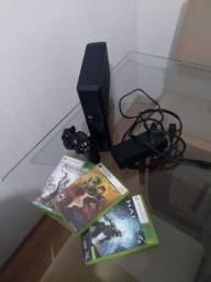 Xbox 360 com 3 jogos