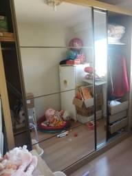 Guarda Roupas 2 portas com espelho usado