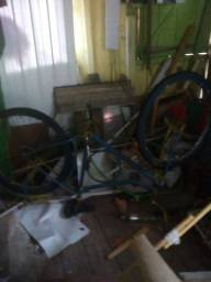 Vendo uma bicicleta barra circular  antiga
